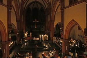 Kirche_Kerzen_Beleuchtung